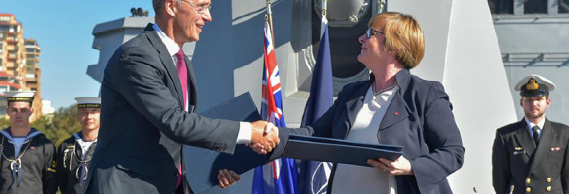 Obrázok ku správe: NATO Secretary General signs partnership plan, welcomes deepening cooperation with Australia